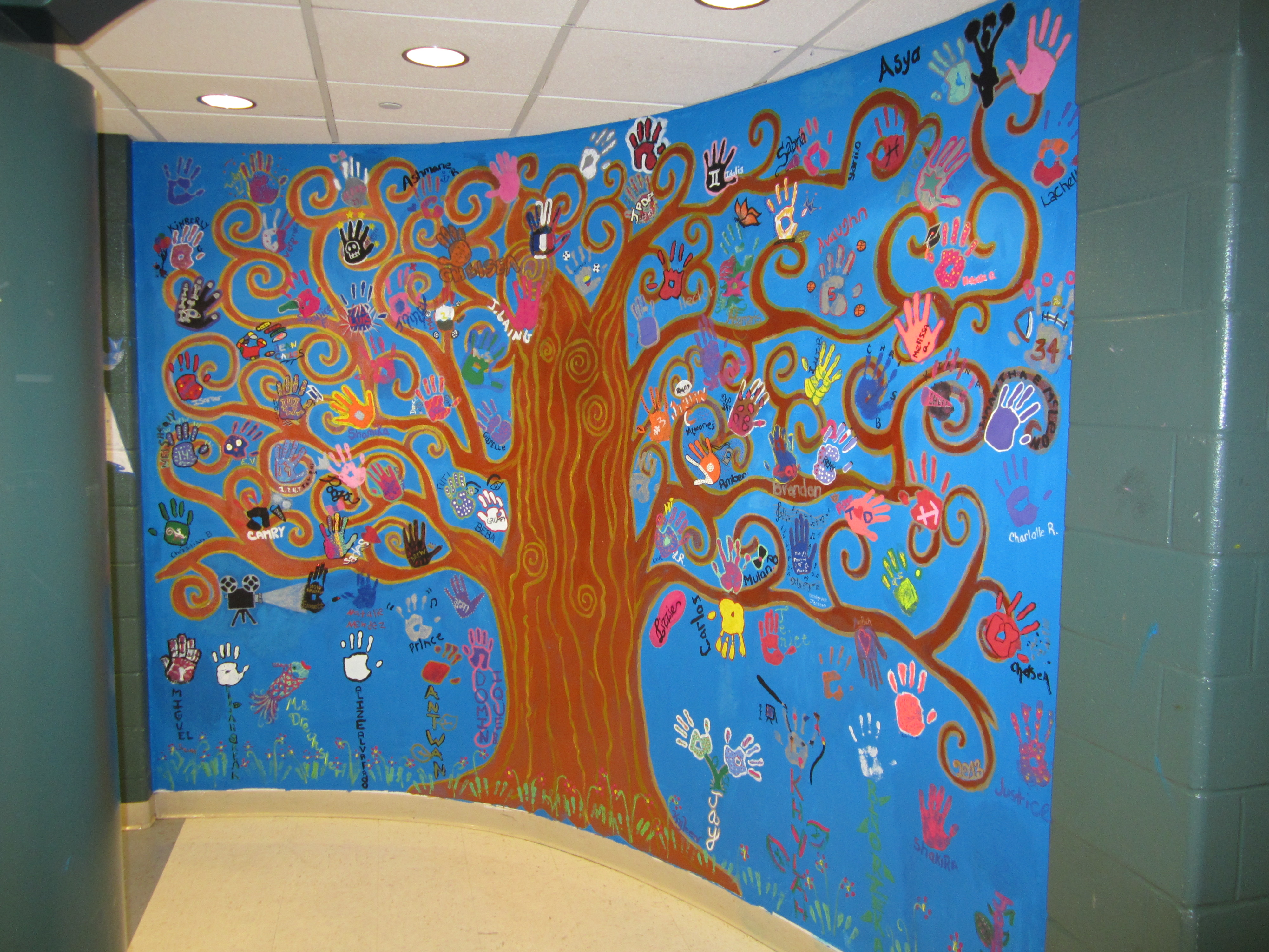 Hphs nursing academy students create inspirational tree of for Mural inspiration