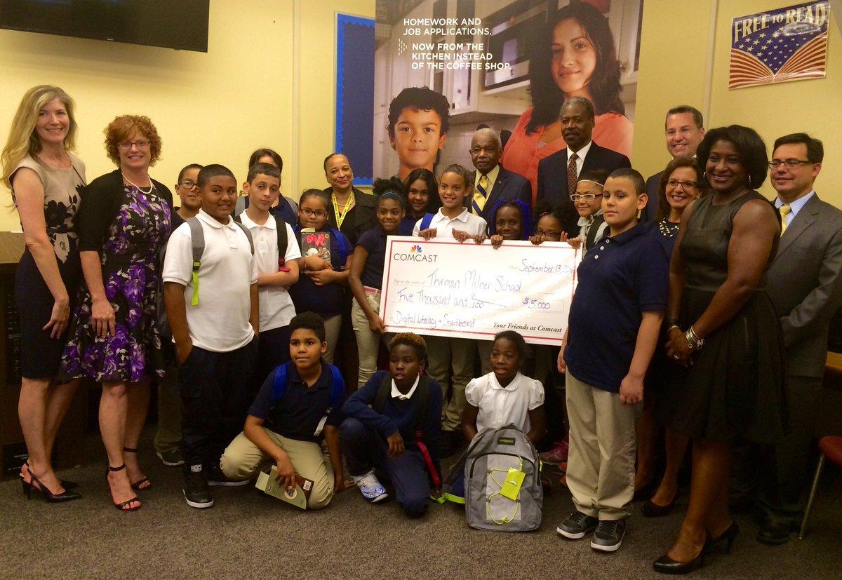 Milner School Library Receives Grant from Comcast for SmartBoard
