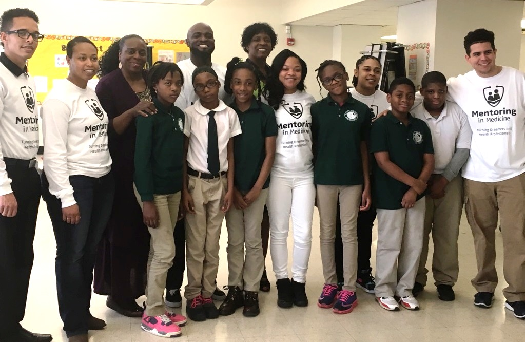 """Martin Luther King School Students Participate in """"Mentoring in Medicine"""" Poster Contest Kick-off"""