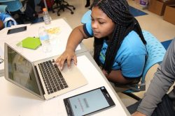 Global Communications Academy Students Build Apps for Local Non-profits